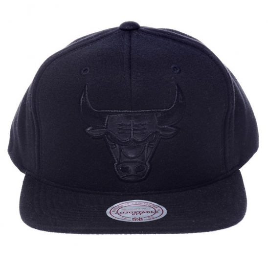 CHICAGO BULLS BLACK OUT SNAPBACK