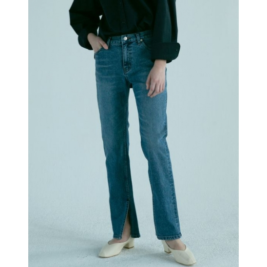RIKA SLIT STRAIGHT JEANS (BLUE)
