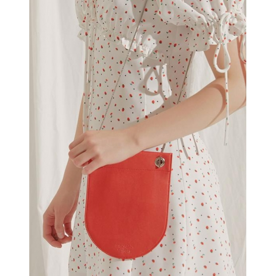 round compact bag