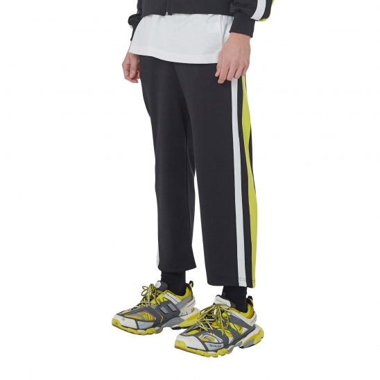 MEN_COMFORTABLE TRACK WIDE PANTS (BLACK)