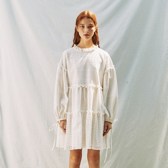 FLOWER WOVEN EYELET LACE UP ONEPIECE_WHITE (EEON1OPR03W)