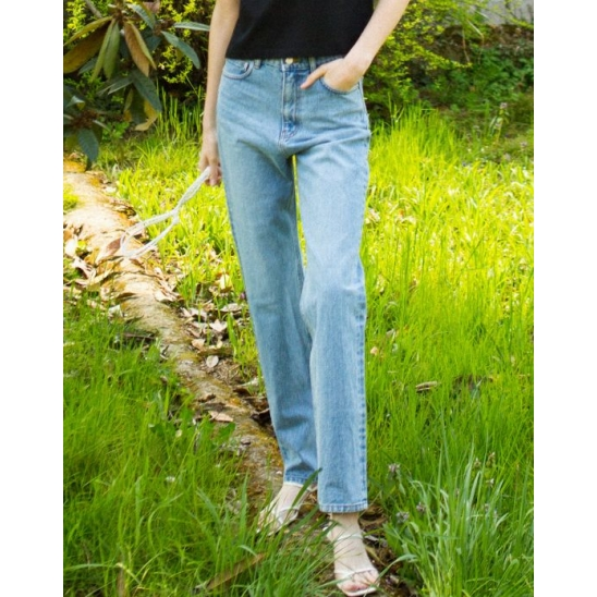 SLIM STRAIGHT JEANS (LIGHT BLUE)