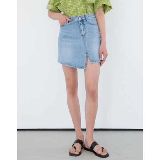 UNBALANCE SLIT DENIM SKIRT (LIGHT BLUE)