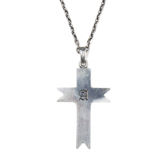 125# A SIGNET CROSS NECKLACE