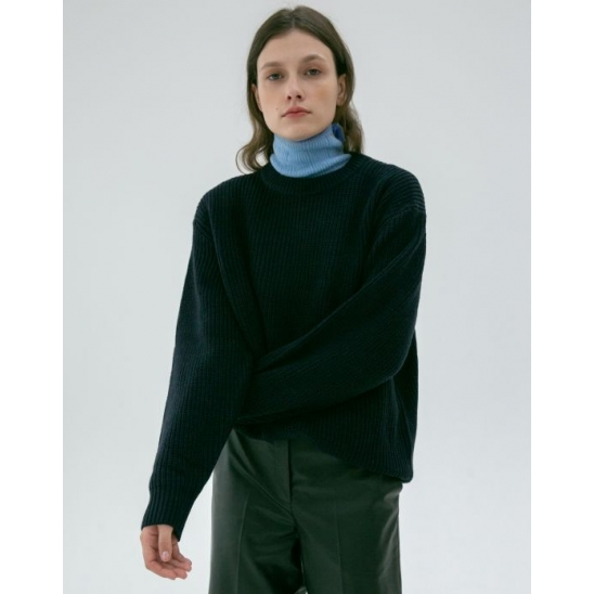 [이유안 착용]UNISEX BASIC CREWNECK WOOL SWEATER (NAVY)