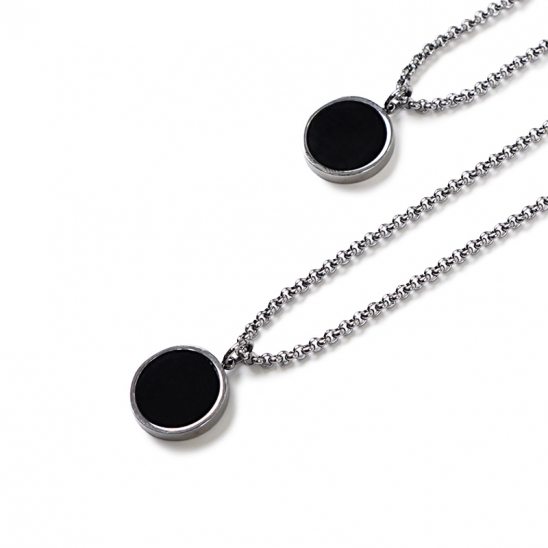 [0.387AU] Black Circle Necklace