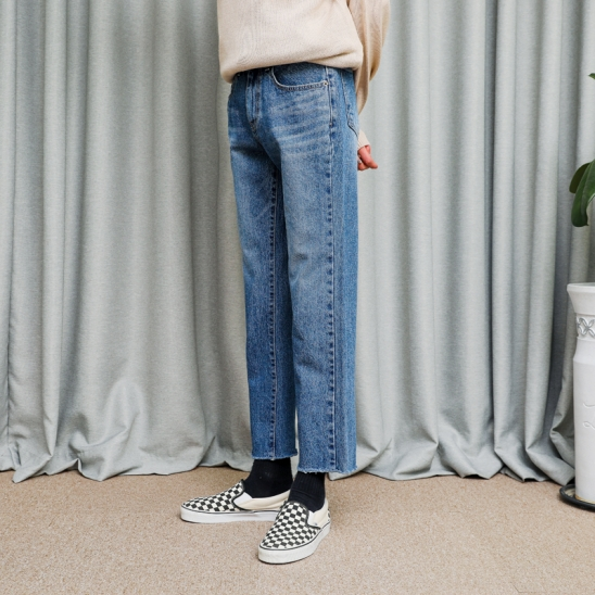 CUTTING CROP STRAIGHT JEANS (BLUE)