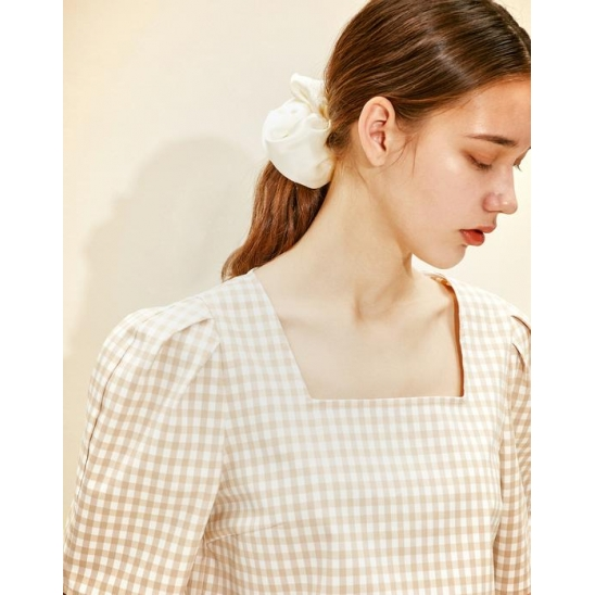 Square-neck Blouse [Beige Gingham Check]