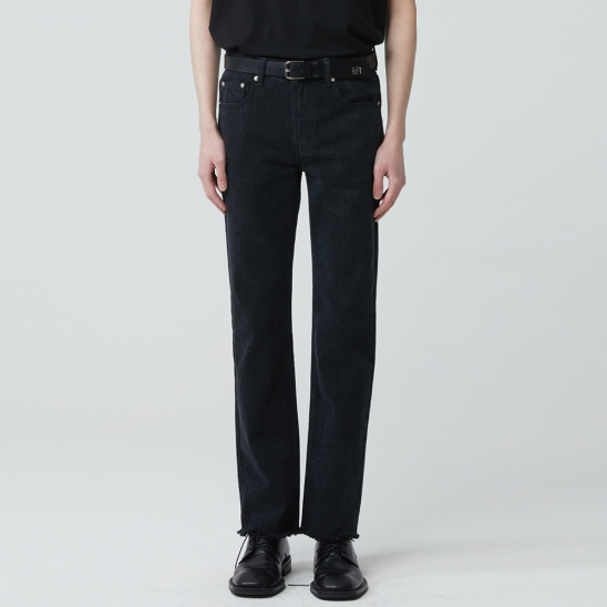 STRAIGHT CUT WASHED JEANS BLACK