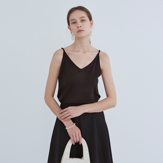 SIMPLE V-NECK KNIT SLEEVELESS_BLACK