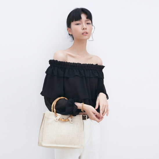 WRINKLE OFF-SHOULDER BLOUSE_BLACK