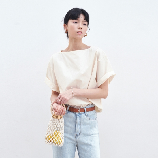 SIMPLE SQUARE NECK BLOUSE_BEIGE
