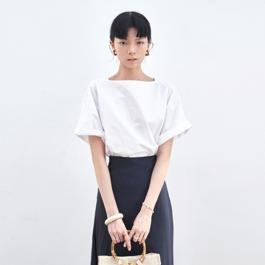 SIMPLE SQUARE NECK BLOUSE_IVORY