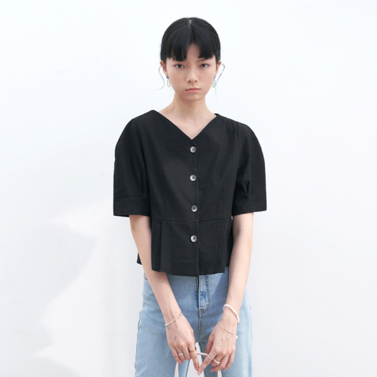 V-NECK PINTUCK BLOUSE_BLACK