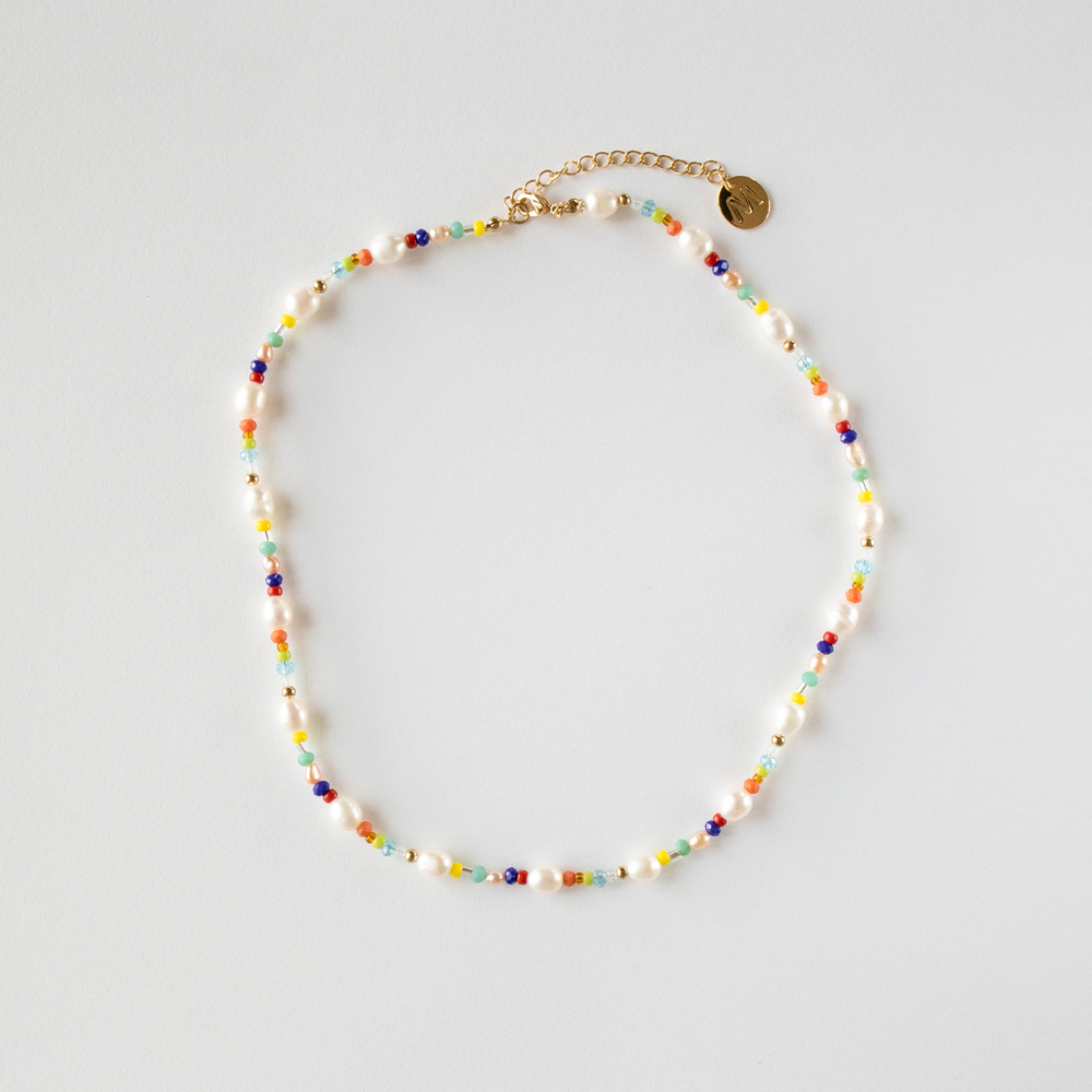 Pearl and color beads necklace