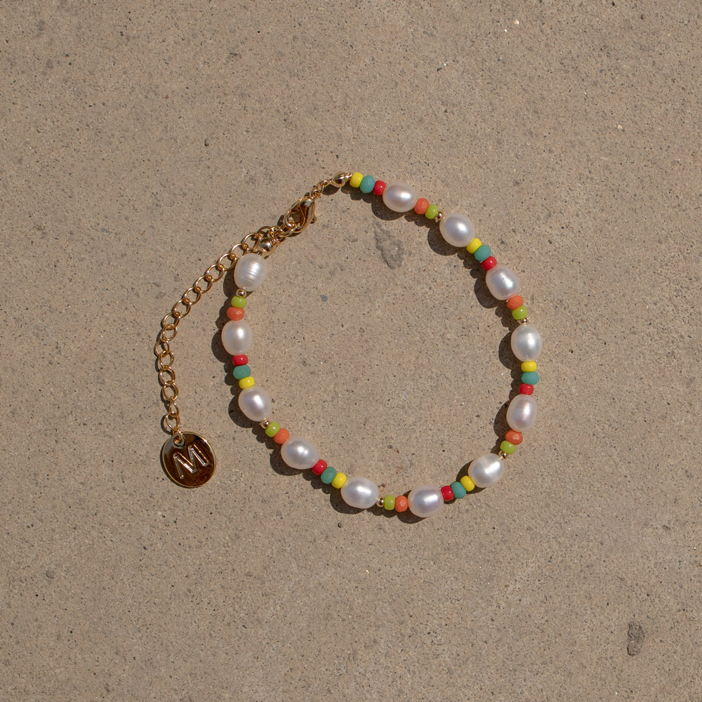 Pearl and color beads bracelet
