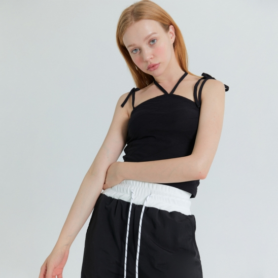 [프라이하잇]HALTER NECK LINE POINT SLEEVELESS(BLACK)