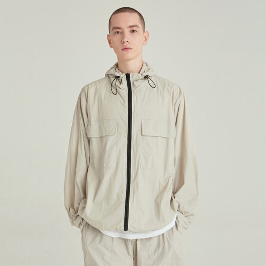 [COUCOU] LIGHT WEIGHT ZIP-UP WINDBREAKER_SAND