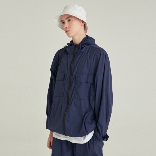 [COUCOU] LIGHT WEIGHT ZIP-UP WINDBREAKER_NAVY