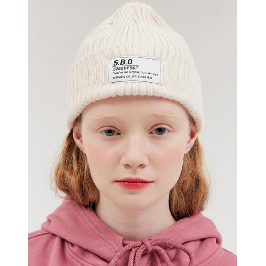 TAG LABEL BEANIE_CREAM