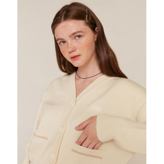 RUBBER LABEL CROP CARDIGAN_IVORY