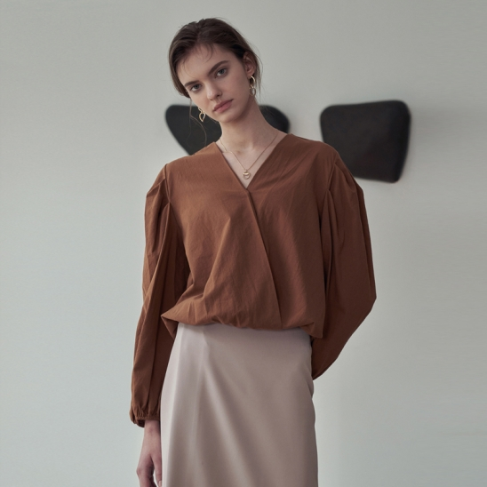 PIN-TUCK WRAP BLOUSE_CAMEL