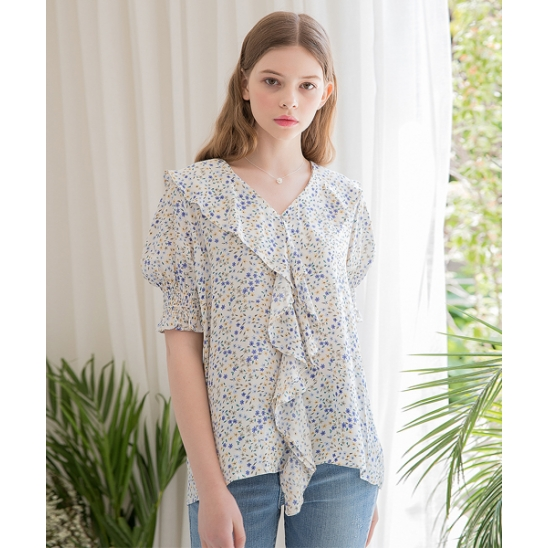 [클렛] FLOWER FRILL SMOKE BLOUSE IVORY