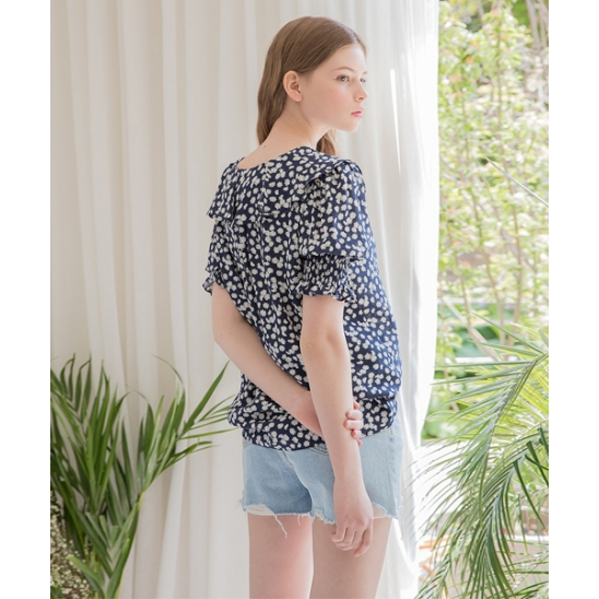 [클렛] FLOWER FRILL SMOKE BLOUSE NAVY