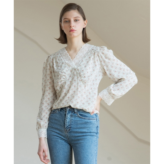 [클렛] LACE FLOWER BLOUSE IVORY
