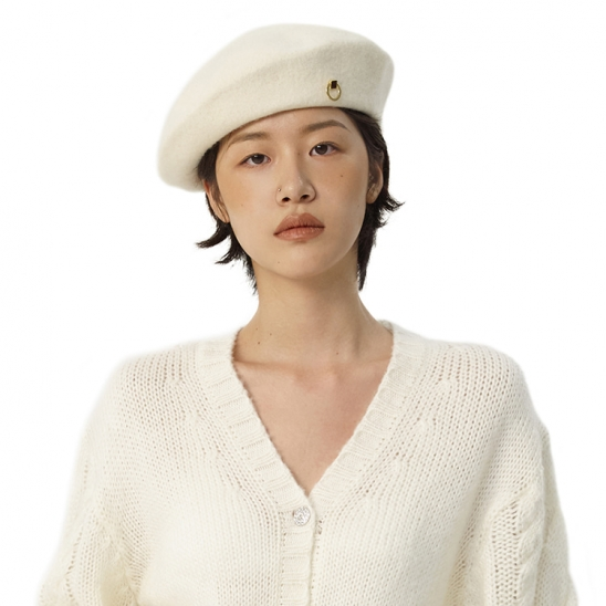 C METAL BROOCH WOOL BERET_IVORY