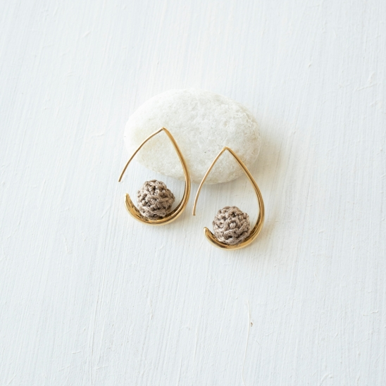 Water drop shape with knit ball earring