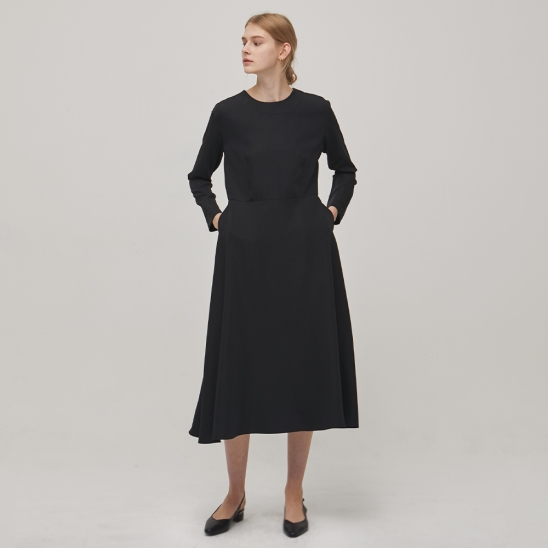 [Re-stock] Long Sleeve Flare Dress - Black