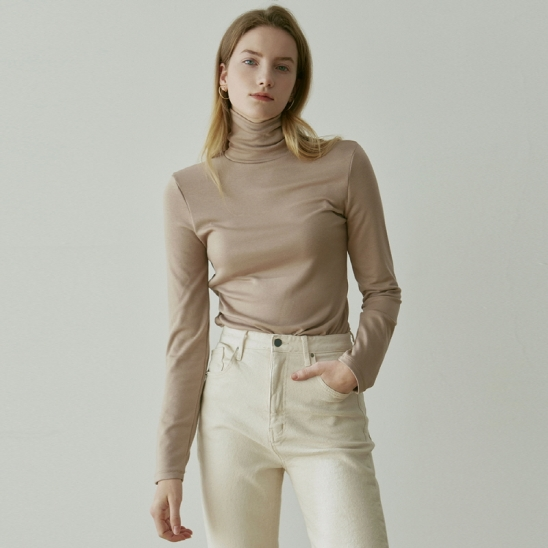 TURTLENECK NAPPING SLEEVE_BEIGE