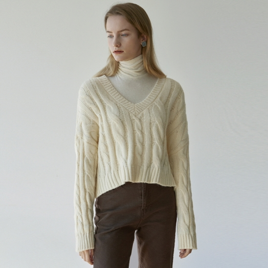 V LOOSE CABLE SWEATER_CREAM