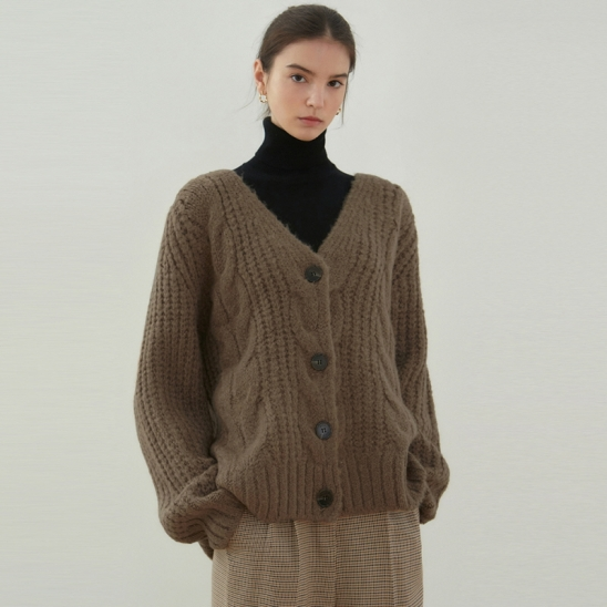 CABLE V KNIT CARDIGAN_MOCHA