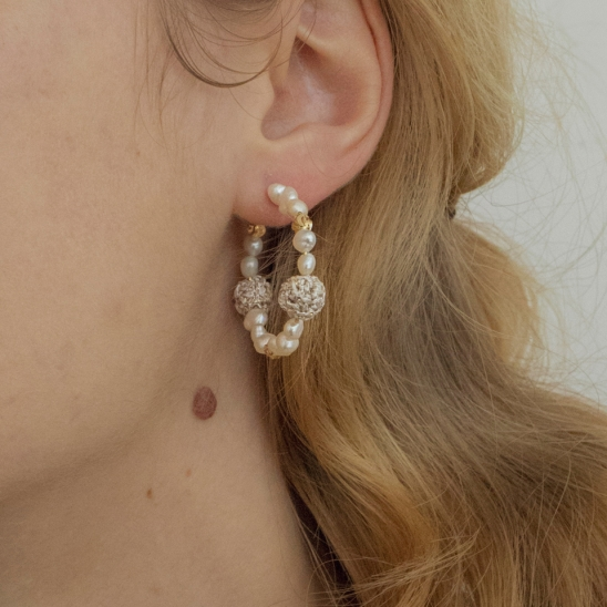 Pearl and knitball hoop earring