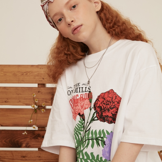 CARNATION OVER FIT T-SHIRT WHITE
